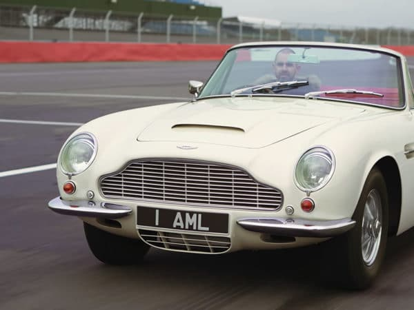 Aston Martin DB6 - retrofit classic with Jonny Smith