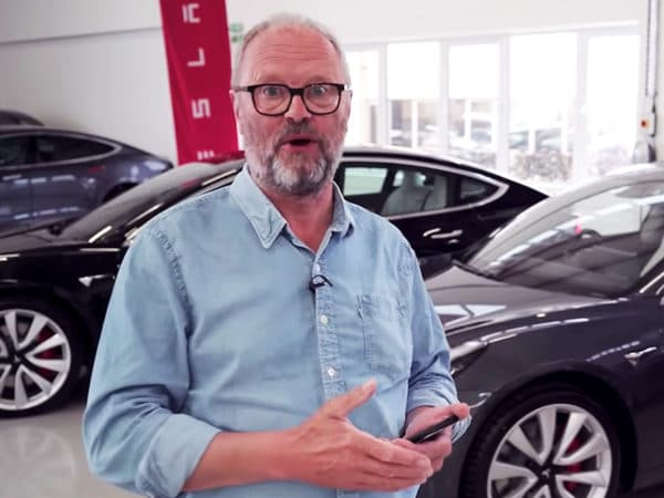 Tesla Model 3 in the UK - Robert Llewellyn