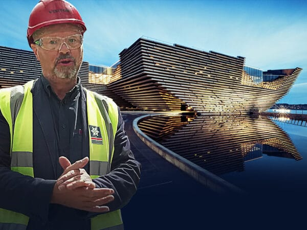 Solar, Storage & Electric Taxis in Dundee with Robert Llewellyn