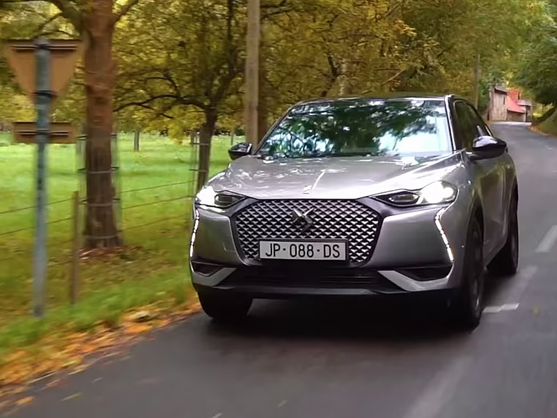 DS 3 Crossback E-Tense - Jonny takes the DS 3 Crossback for drive around Paris