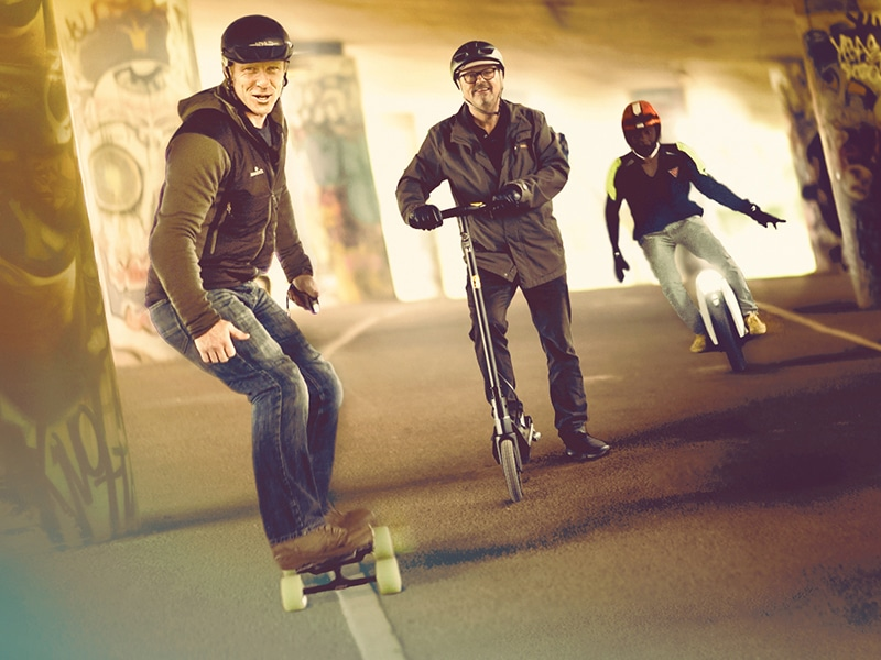 Micro Machines: Electric Scooters, Skateboards & Unicycles - Andy Torbet & Robert Llewellyn Fully Charged