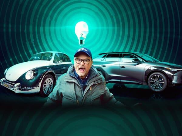 Toyota U-Turn, Lightbulb Moments & Beetle Cloned? Robert Llewellyn Fully Charged News