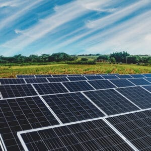 Connecting consumers with the local solar farms in the USA with Solar Simplified - Fully Charged Podcast 109